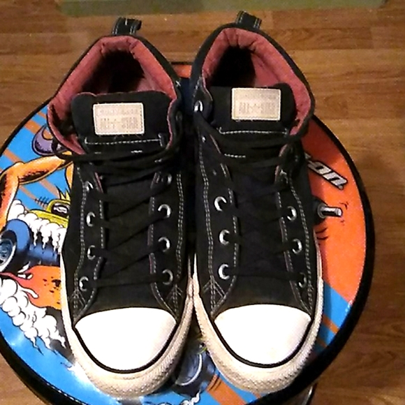 Size ten converse hardly used